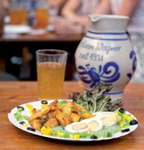 Immer wieder ein Genuss: die Grüne Soße mit Bratkartoffeln bei Wagner
