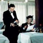 """Louis de Funès in """"Brust oder Keule"""", als gefürchteter Gastro-Kritiker"""