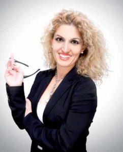 Zahnärztin Dr. Özlem Avci