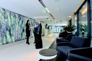 Claudia Krummeck heißt die neuen Kunden der Main-Taunus Privatklinik herzlich willkommen.