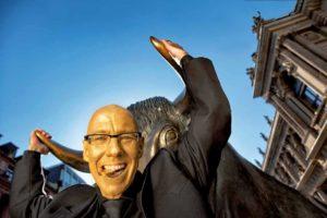 Börsenkorrespondent Mick Knauff als Gastautor und Foto-Model für Top Magazin Frankfurt