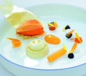 """""""Happy Berry"""" heißt dieses unwiderstehliche Dessert aus dem Zwei-Sterne-Restaurant De Leest im holländischen Vaassen. Glücklich macht dabei nicht nur der Geschmack, sondern auch der extra Vitaminkick im Eis aus Goji-Beeren."""