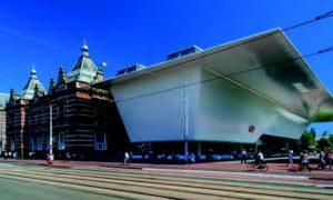 Stedelijk Museum, Blick auf das Original-Gebäude von 1895 und den Neubau von Benthem Crouwel Architects
