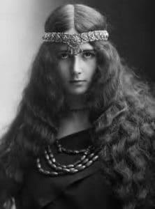 P. Nadar, Cleo de Mérode à l'Opéra