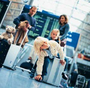 Flughafen Frankfurt - Angenehmes reisen mit Kind und Kegel