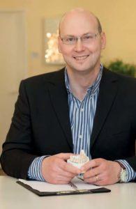Zahnarzt und Zahntechniker P. Tomovic
