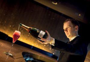Barmanager der Bar 8 im Mandarin Oriental Paris: Fiachra Martin