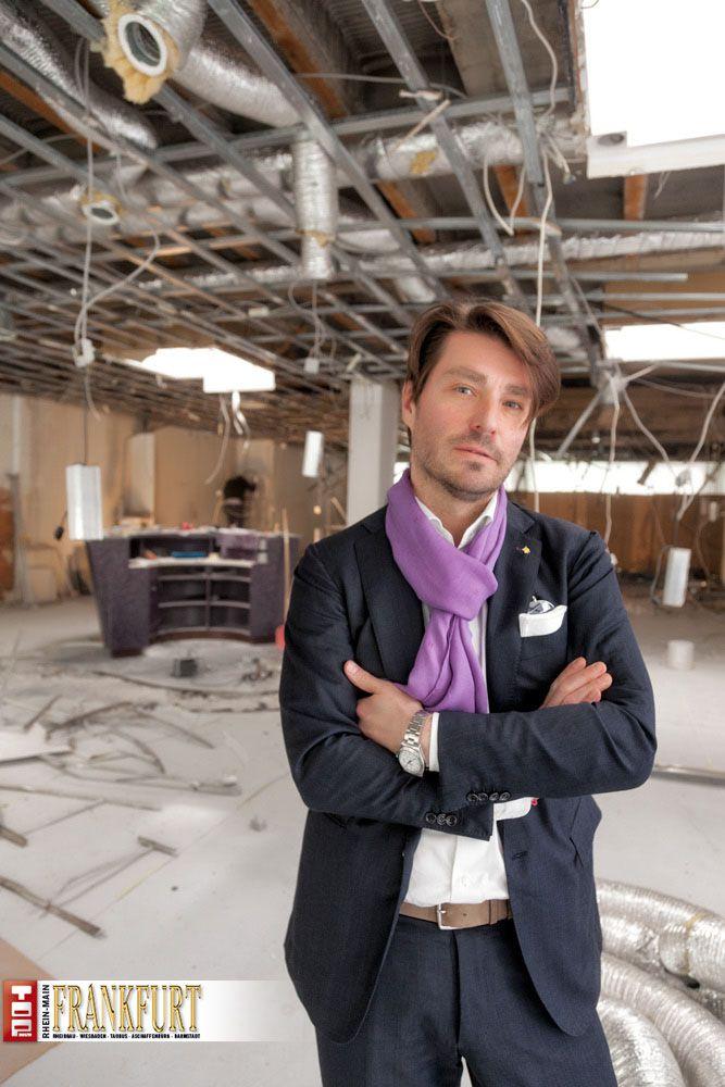 Er führt die Tradition von Möller & Schaar in Frankfurt weiter: Adam Schattschneider auf der Baustelle des neuen Stores
