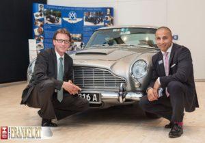 Daniel Paulus und Filippo Bellanti vor dem legendären Aston Martin DB5
