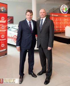 Heribert Bruchhagen mit Fiat Deutschland Chef Eric Laforge