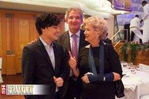 Starpianist Christopher Park und Lotto-Chef Dr. Heinz-Georg Sundermann mit der angeschlagenen Ex-Oberbürgermeisterin Dr. Petra Roth