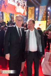 Wirtschaftsdezernent Markus Frank und der Produzent der Preisverleihung bdv-Präsident Prof. Jens Michow