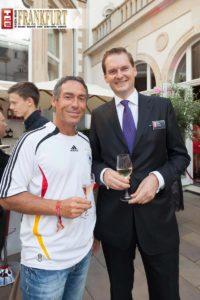 Achim Saurer (Audi) mit dem Generaldirektor der Villa Kennedy Georg Plesser