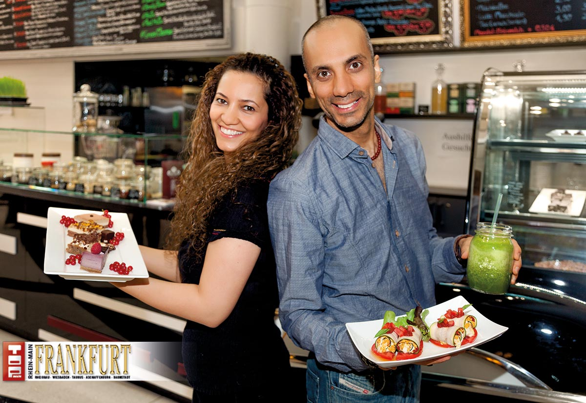 Elly und Ahmad Mizban in ihrer Rag Bar
