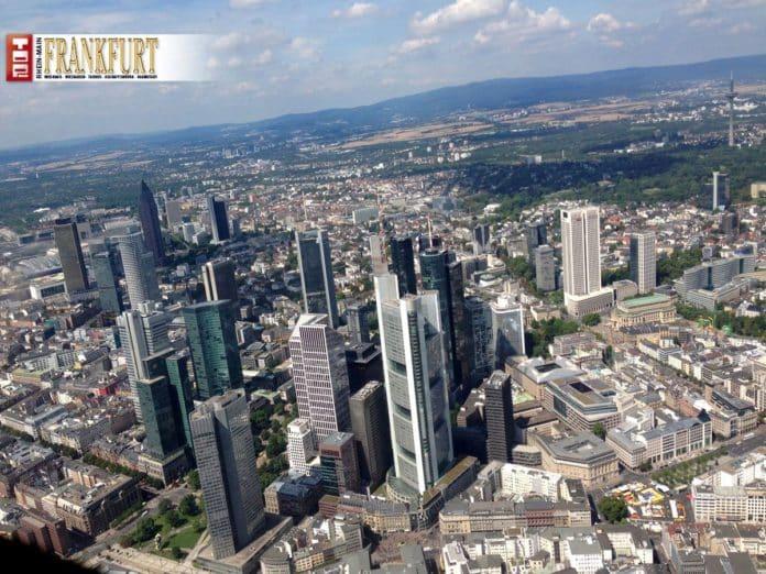 Luftaufnahme der Skyline von Frankfurt am Main (Foto Reimann)