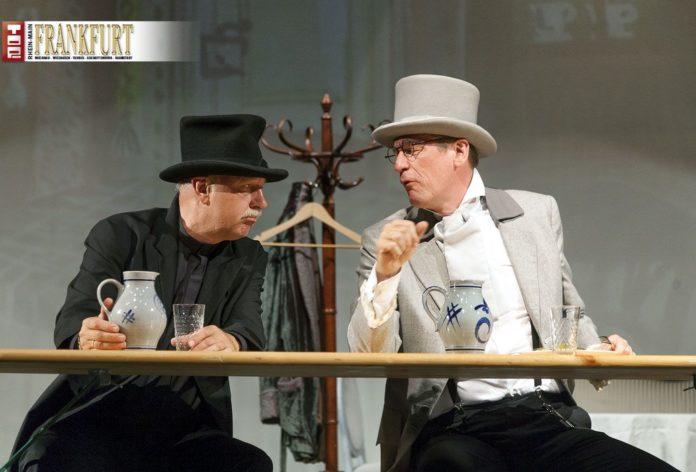 Der Darmstädter Zahnarzt Dr. Frank Sabais mit Dr. Mathias Döpfner auf der Bühne