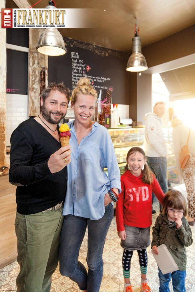 Experten für Bio-Eis - Lorenzo und Karina Bizzi mit ihren Kindern Elena und Santiago