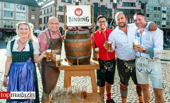 Das Binding-Team Claudia Geisler und Otto Völker mit Patrick und Dennis Hausmann sowie Organisator Kai Mann