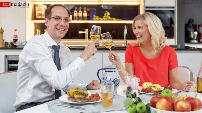 Zum Wohl - Jenny Knäble und Küchenhaus Süd-Chef Christoph Krohnen