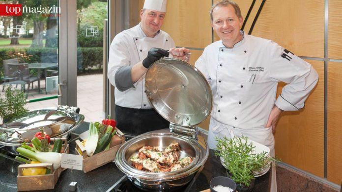 Guido Muller und Chefkoch Mario Höllein vom Hilton Frankfurt