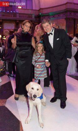 Schauspieler Horst Kummeth (Dahoam is Dahoam) mit Gattin Eva und Enkelin Laura