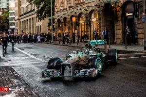 Kam mit dem Formel 1-Boliden zum Werbedreh in die Innenstadt - Niko Rosberg
