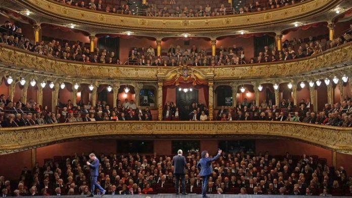 Così fan tutte im Hessischen Staatstheater Wiesbaden