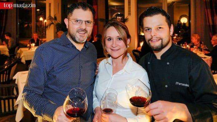 Riccardo und Sabaheta Re mit Chefkoch Pedro Fernandes