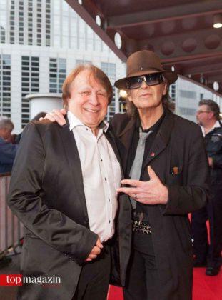 Jury-Sprecher Peter Urban mit Rocklegende Udo Lindenberg