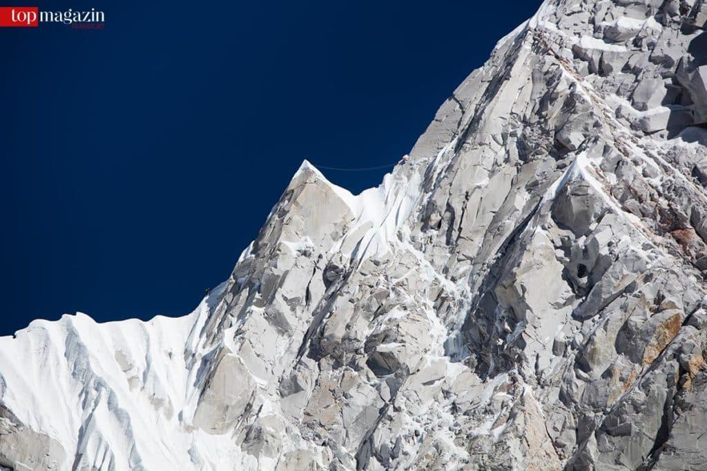 Im November 2015 haben der Tiroler David Lama und sein amerikanischer Partner Conrad Ankerihe Zelte aufgeschlagen, um den bislang unerreichten und 6.907 m hohen Lunag Ri zu besteigen.