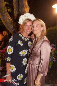 ZDF-Moderatorin Andrea Kiewel mit Ayondo-Geschäftsführerin Sarah Brylewski