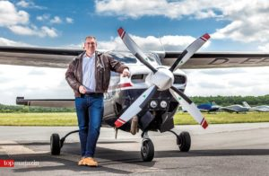 Dr. Mike Eberle und seine Cessna