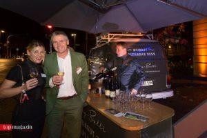 Nicole und Michael Reeg (Hoesch & Partner) am Riesling-Bulli