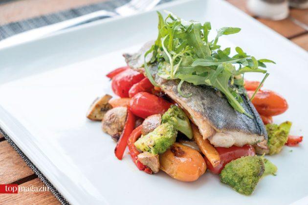 Fangfrischer Mahi-Mahi in Olivenöl im Gansevoort-Restaurant Agua Zul