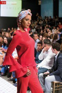 Rassige Schönheit auf dem Laufsteg der Dominicana Moda