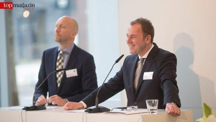 BMW-Pressesprecher (Vertrieb) Bernhard Ederer mit Niederlassungsleiter Uwe Holzer