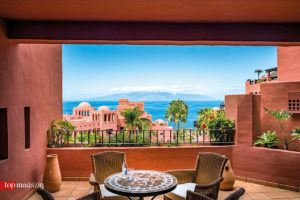 Mehr sehen - Der Balkon der Junior Suite bietet einen malerischen Atlantikblick.