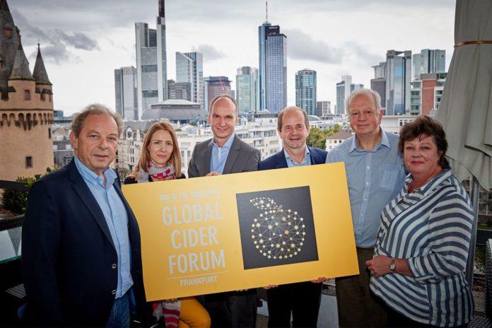 Das Organisationskomitee des Global Cider Forums in Frankfurt: Jan Hermans, Milica Jevtic, Martin Heil, Jean-Pierre Stassen, Bob Price und Fenella Tyler