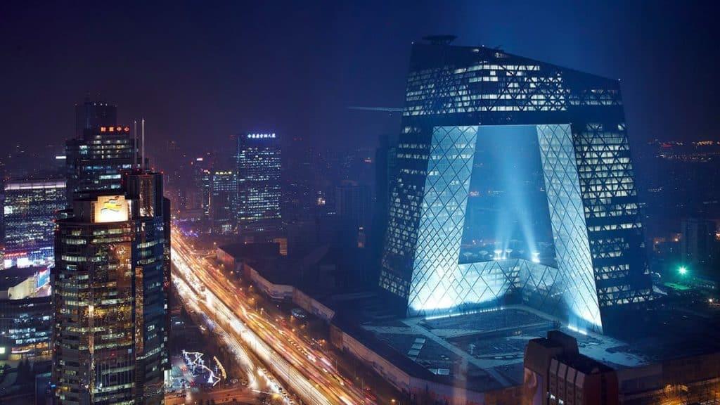 Die Zentrale des Chinesischen Staatsfernsehens CCTV in Peking gilt als eines der kompliziertesten jemals gebauten Gebäude.