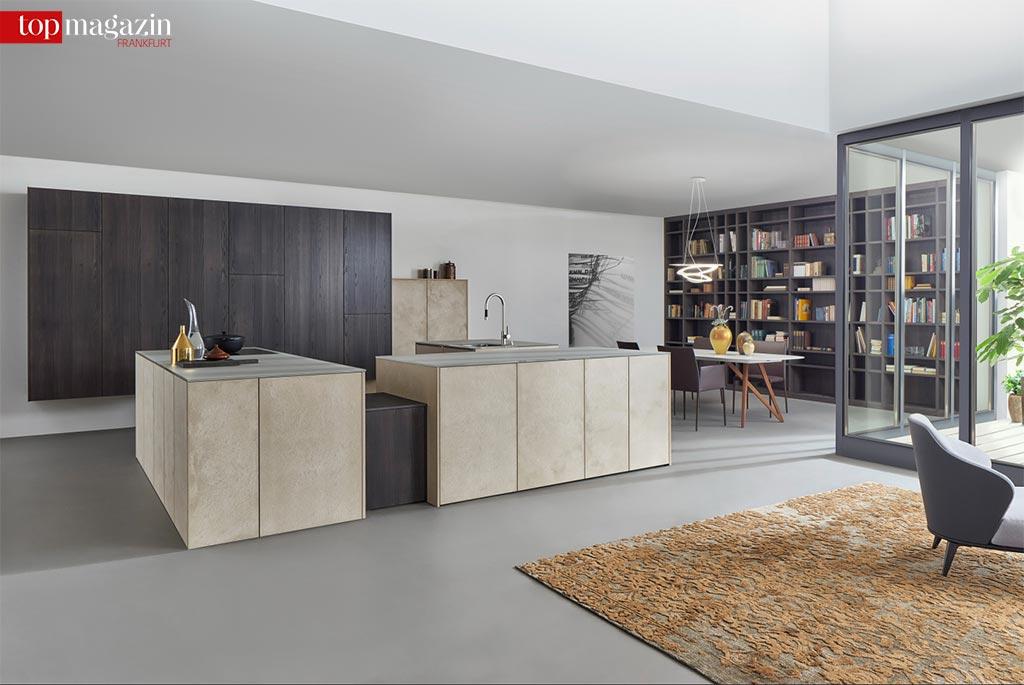 Elegant fügen sich die Küchen von Leicht in den Raum ein.