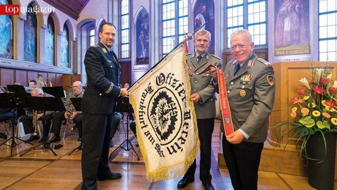 Oberst d.R. Volker Stein (re.), Oberstleutnant a.D. Christian Keimer und Oberst d.R. Stefan Ament