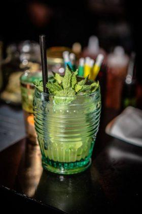 Die Drinks stammen aus den Blendern des Gibson-Barteams