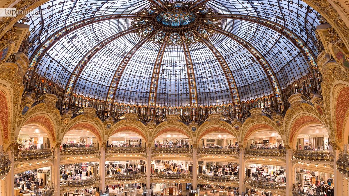 729d69f3e0088f Die unverkennbare Jugendstil-Kuppel der Galeries Lafayette