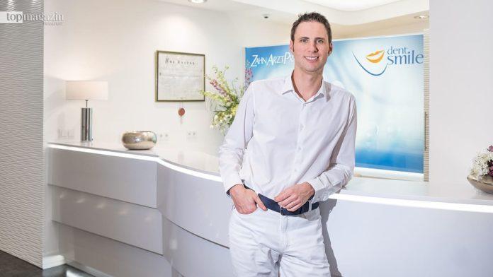 Dr. Dusan Barac in seiner Praxis dent.smile in Bad Homburg