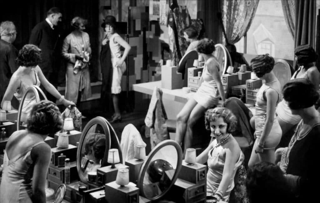 Octave Mourets Verkaufsstrategie - die Sinne der Damen mit galanten Aufmerksamkeiten benebeln