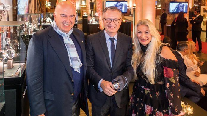 Andreas Nestele (Chopard) mit Simone und Ahmet Pekkip (li.)