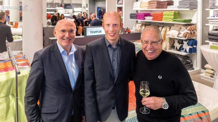 Stefan Wolf (Wirtschaftsförderung Bad Homburg) mit Bardo und Günter Hildmann (Betten Zellekens)