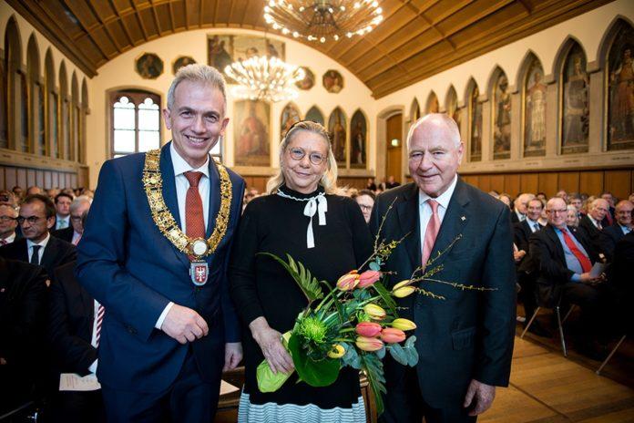 Peter Feldmann, Katherine Fuerstenberg Raettig, Lutz Raettig (Foto Roessler)