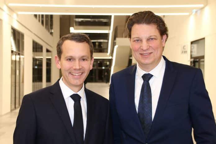dm-Geschäftsführer Christoph Werner und Marketing Club-Präsident Claudio Montanini