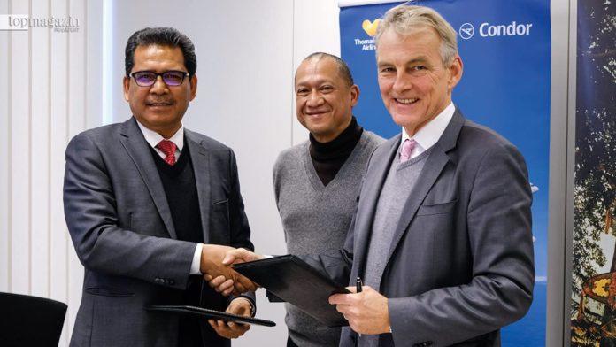 Dato' Sri Abdul Khani Daud (Promotions Tourism Malaysia), der malaysische Tourismusminister Dato' Seri Mohamed Nazri bin Abdul Aziz und Condor-Chef Ralf Teckentrup
